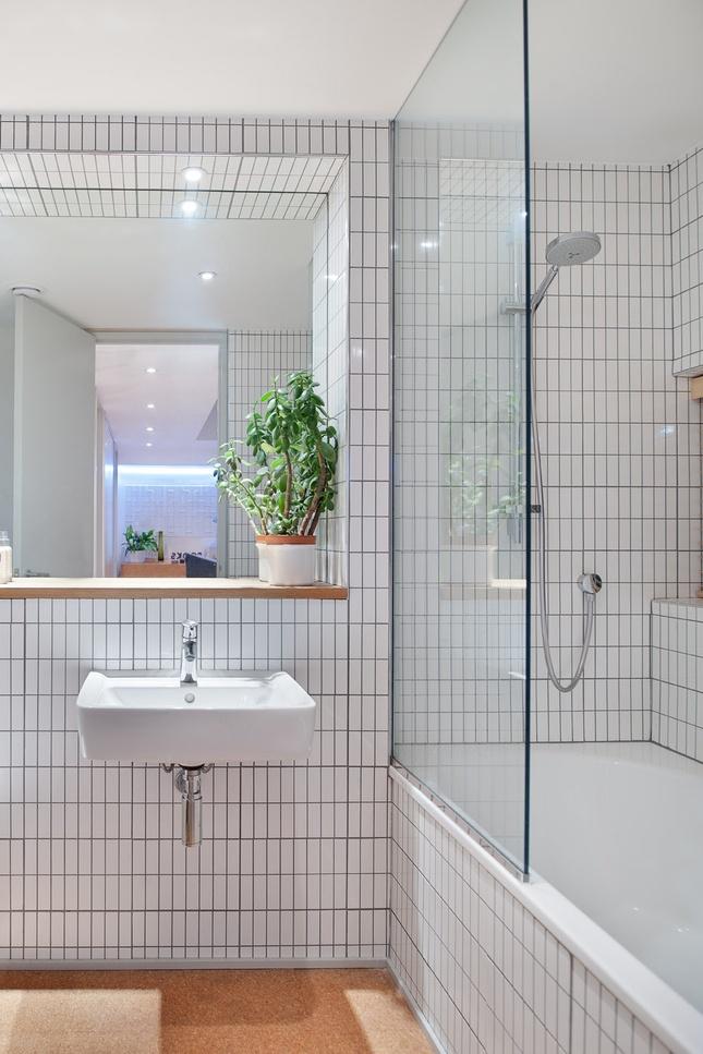 Sweet home understanding a home 39 s value scandinavian for Dwell bathroom designs