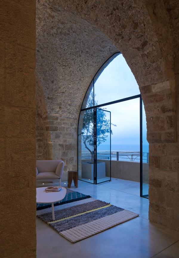 Jaffa flat by pitsou kedem architects