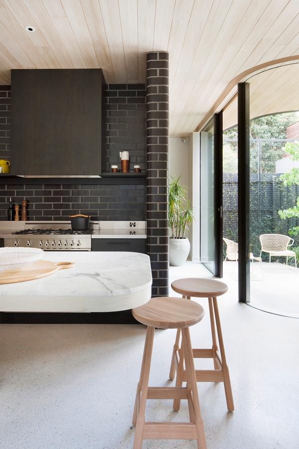 Clare Cousins - Brick House / Photo - Shannon McGrath | Design Studio 210