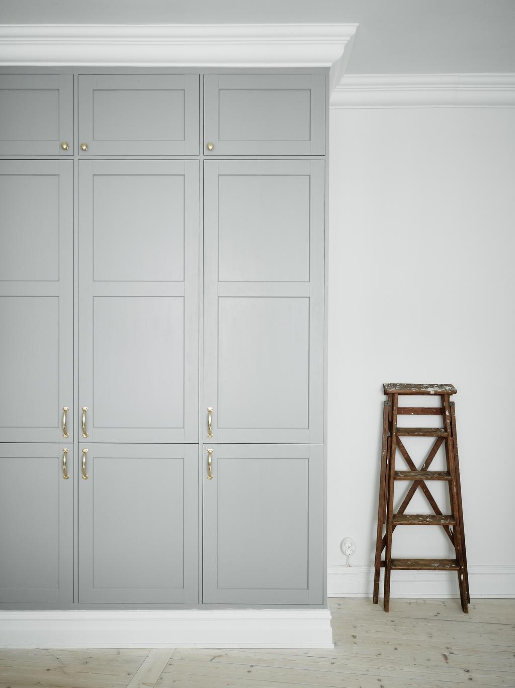 Scandinavian White Interior found on Entrance   Via DesignStudio210